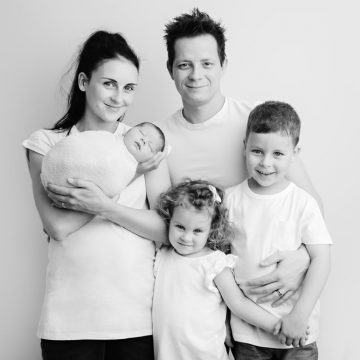 27 let in trije otroci!