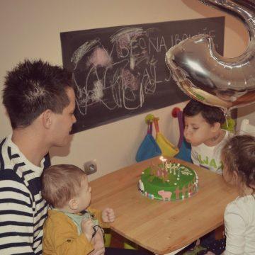 """Aljažev 5. rojstni dan in njegov """"rojstnodnevni intervju"""""""