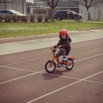 Aljaževa prva vožnja s kolesom